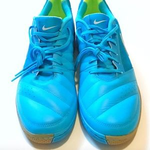 Like New Nike Gatos Blue and Neon